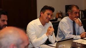 Dirk Hoke, CEO de Airbus DS, y Fernando Alonso, primer directivo del grupo en España, ayer en Sevilla