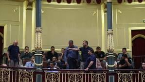Algunos estibadores han sido desalojados del Congreso