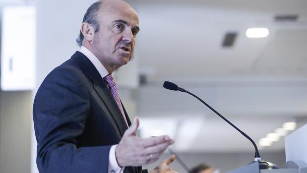 Luis de Guindos, ministro de Economía, en el almuerzo organizado por la APD
