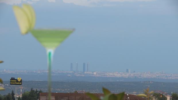 Vista de la terraza del restaurante de comida asturiana en Torrelodones