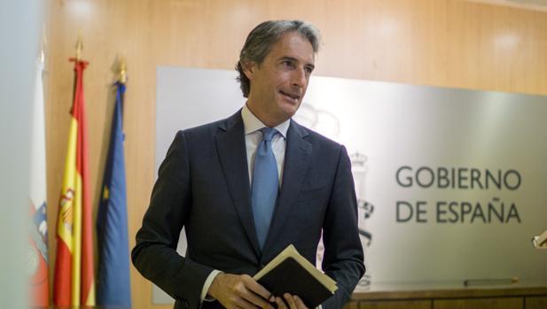 El ministro de Fomento, Íñigo de la Serna, en su comparecencia de este domingo
