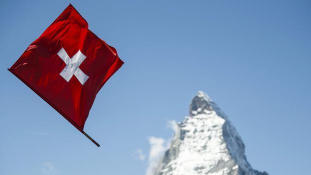 Andorra y Suiza informarán al Fisco en 2018 de las cuentas bancarias de residentes