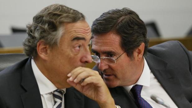 El presidente de CEOE, Juan Rosell, y el presidente de CEPYME, Antonio Garamendi, d