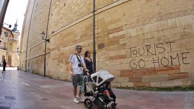 Las hostilidades hacia los turistas han sido muy frecuentes este verano
