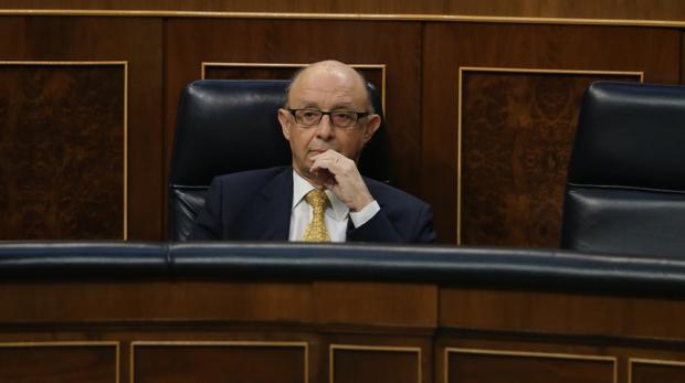 El ministro Cristóbal Montoro en el Congreso de los Diputados