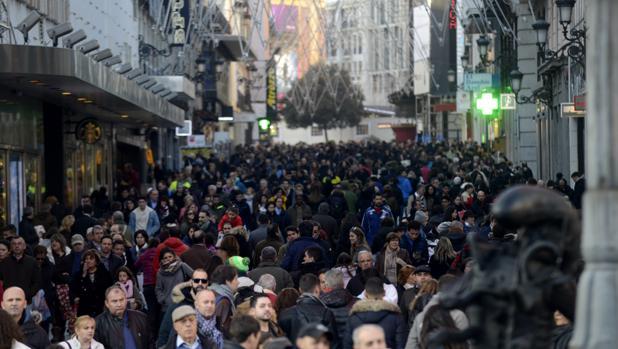 La calle Preciados, en plena campaña navideña
