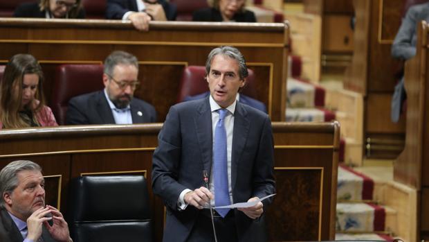 El ministro de Fomento, Íñigo de la Serna, en el Congreso de los Diputados