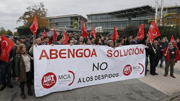 Protesta de trabajadores de Abengoa en Sevilla