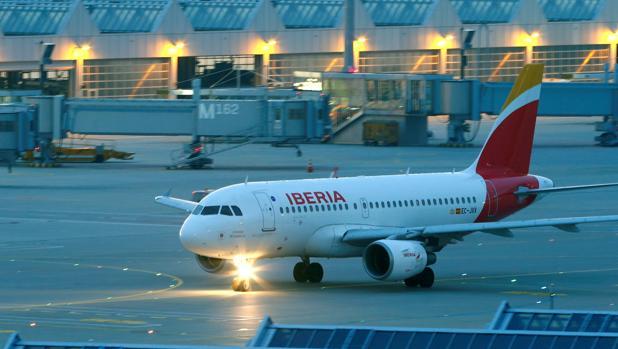 Avión de Iberia en el aeropuerto de Munich