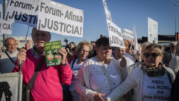 Afectados de Fórum y Afinsa se manifestaron ante la Audiencia Nacional