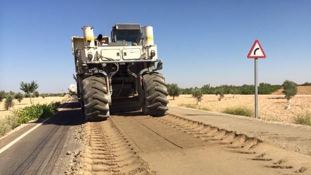 Una carretera en construcción en Castilla-La Mancha