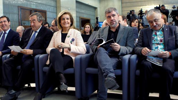 Garamendi, Rosell, Báñez, Sordo y Álvarez, en un reciente acto en el Ministerio de Empleo
