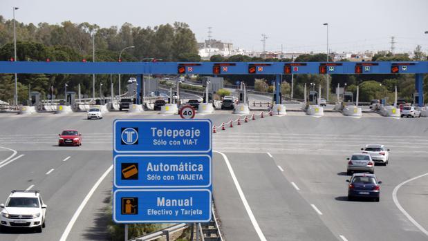 Imagen de la autopista de peaje que une Sevilla y Cádiz