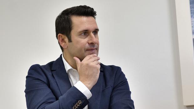Miguel Macías Rodríguez durante la entrevista