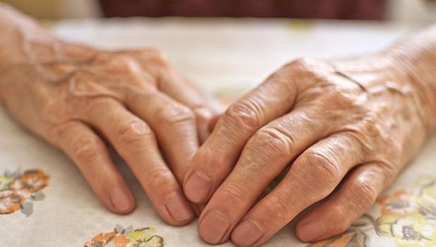 La pensión se distribuirá a partes iguales entre las dos mujeres viudas