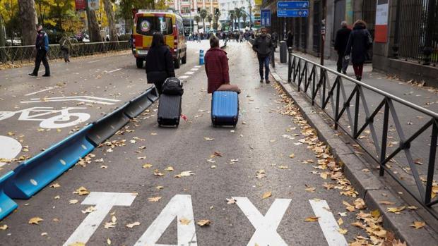El organismo regulador entiende que todas las ventajas concedidas a los taxis son un «límite» para las VTC