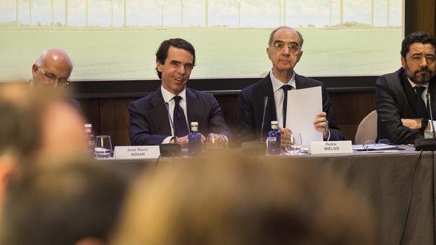Javier Zarzalejos, José María Aznar, Pedro Mielgo y Miguel Marín, esta mañana