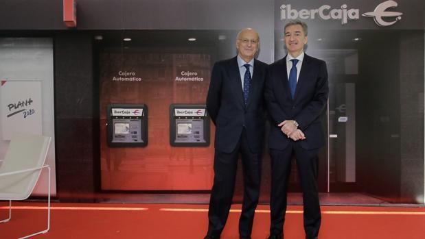 José Luis Aguirre, presidente de Ibercaja, y Víctor Iglesias, consejero delegado de la entidad