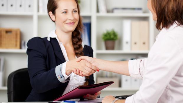 Poseer un postgrado puede ser la llave para lograr el primer empleo