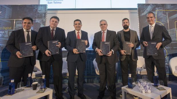 Presentación del Informe Sociedad Digital en España 2017 en el Instituto Internacional San Telmo