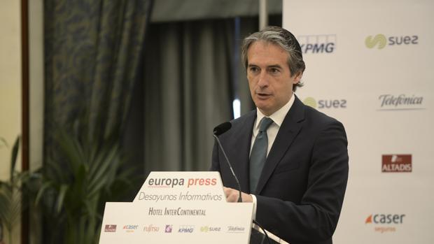 De la Serna comparece en el desayuno informativo organizado este martes por Europa Press
