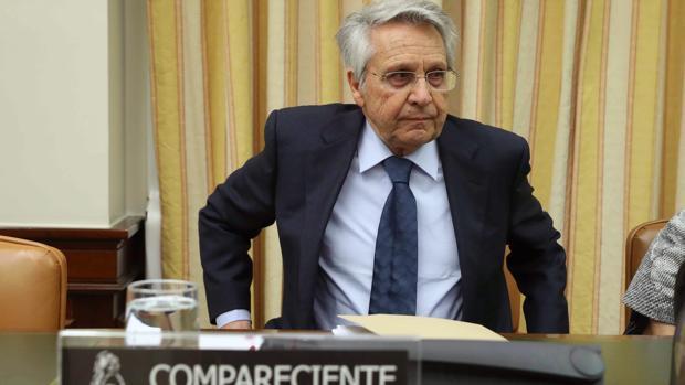 El expresidente de Caixanova y de Novacaixagalicia, Julio Fernández Gayoso