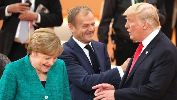 La canciller alemana, Angela Merkel; el presidente del Consejo Europeo, Donald Tusk; y el presidente de Estados Unidos, Donald Trump