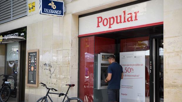 Economía multa a Pwc por las cuentas del Popular de 2012 y a Deloitte por la auditoría de ACS de 2011
