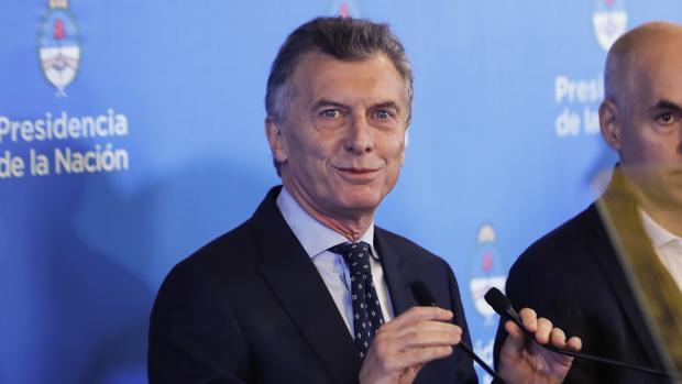 Macri sacrifica al presidente del Banco Central para frenar la devaluación del peso