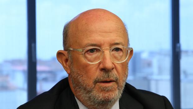 El expresidente del Popular Emilio Saracho durante su comparecencia en el Congreso