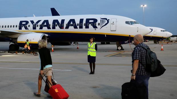 Ryanair cancelará 400 vuelos en España por la huelga de tripulantes de cabina