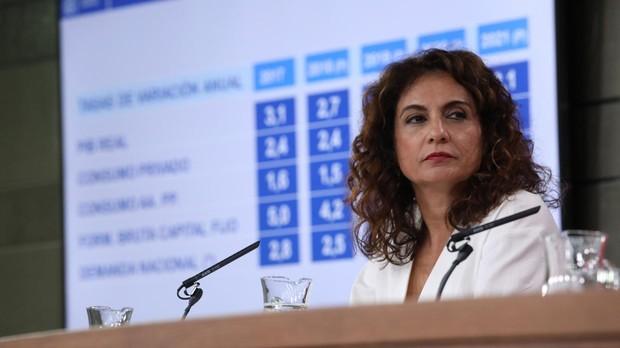 La ministra de Hacienda, María Jesús Montero, en la rueda de prensa del Consejo de Ministros del pasado viernes