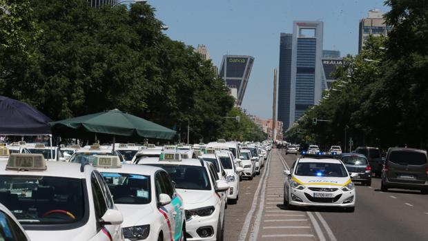 Ni desde el taxi ni en la patronal de las VTC se respalda totalmente la solución propuesta por el Gobierno