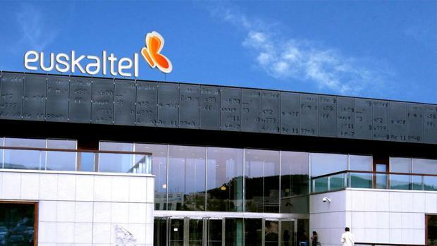 Zegona lanza una oferta por otro 15% de Euskaltel para controlar la dirección de la teleco
