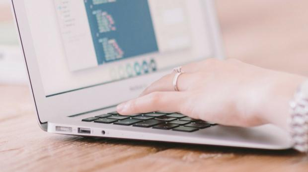 La plataforma permite consultas online sobre genética o realizar exámenes de forma sencilla y a distancia