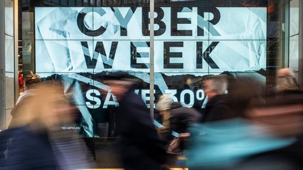 Campaña publicitaria del Cyber Monday en una calle de Berlín