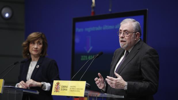 El secretario de Estado de la Seguridad Social, Octavio Granado, junto a la secretaria de Estado de Empleo, Yolanda Valdeolivas