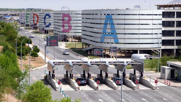 Los aeropuertos españoles, los más baratos de Europa para aparcar en Navidad