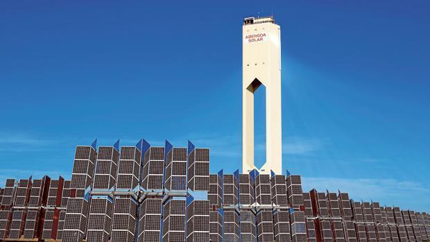 Imagen de una planta termosolar de Abengoa