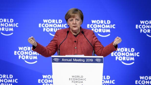 Angela Merkel ha defendido una vez más el libre comercio en Davos