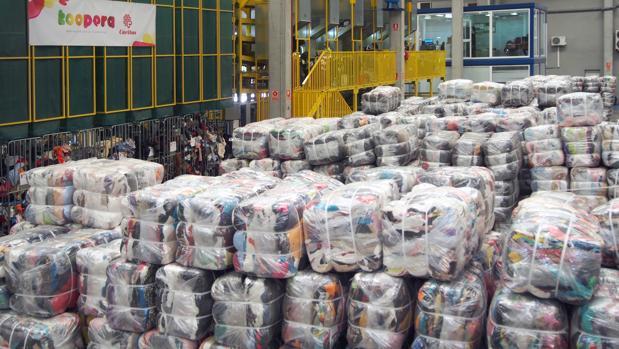 Planta de tratamiento de ropa usada y residuos de Koopera