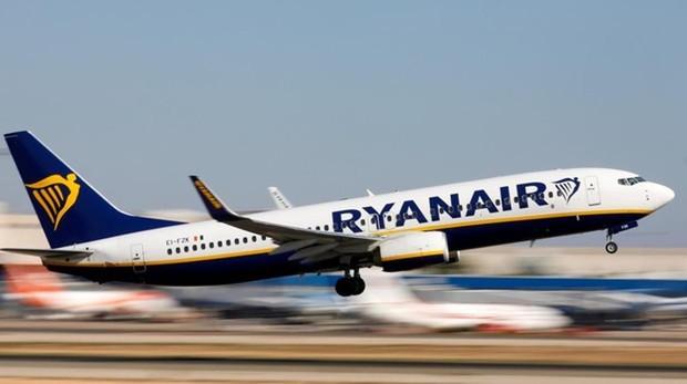 Ryanair no descarta recortar bases en España