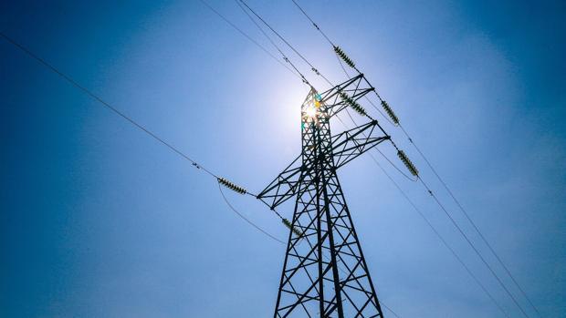 Torre de transmisión de un proyecto de Abengoa en Chile