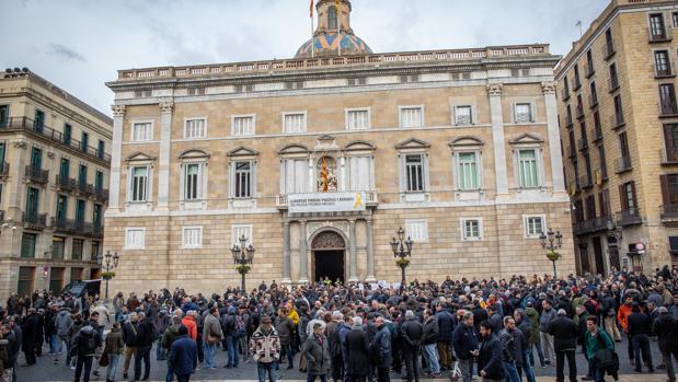 En los tres primeros meses del año, 2.094 sociedades han trasladado su sede social a otra comunidad autónoma, mayoritariamente a Madrid