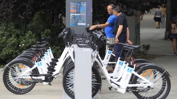 Vista de una de las zonas de alquiler de bicicletas en Madrid