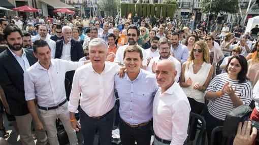 De Miguel inaugurando la campaña electoral en el País Vasco