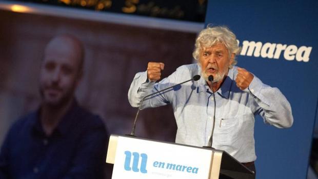 Beiras, con la foto de fondo del candidato, Luís Villares