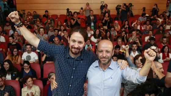 Pablo Iglesias, junto a Luis Villares en La Coruña