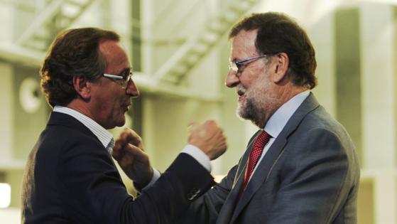 Mariano Rajoy, esta mañana, junto al candidato popular a lendakari, Alfonso Alonso