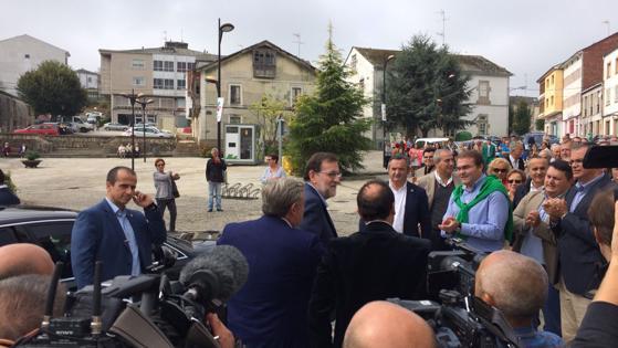 Mariano Rajoy, a su llegada a Cospeito (Lugo)